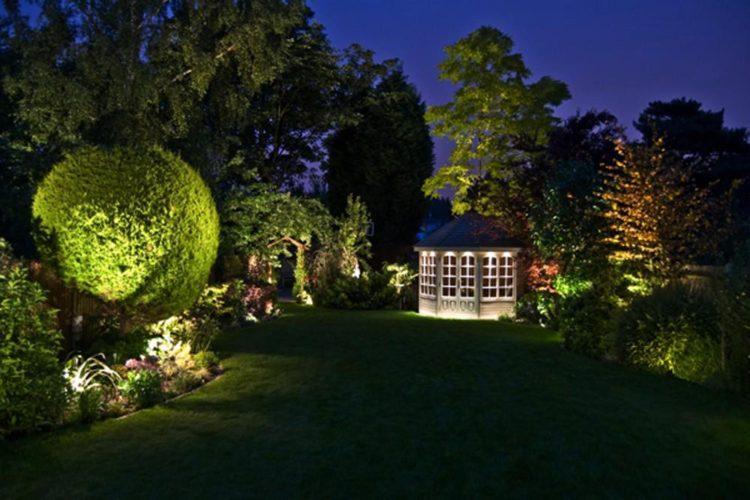 illuminazione-giardino-750x500