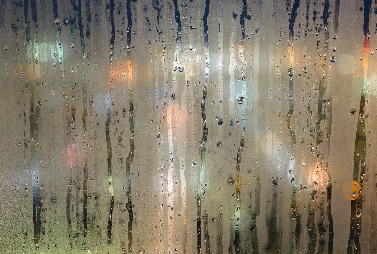 Aerazione e umidità casalinga: importanza, rimedi e strumenti